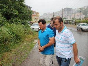 Zonguldak'ta Polisi Otomobiliyle Sürükleyip Yaralayan Sürücü Tutuklandı