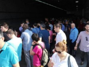 İstanbul'da Marmaray Seferleri Durduruldu