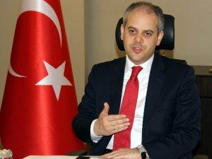 Bakan Çağatay Kılıç, Milli Atlet Yasin Süzen'i Tebrik Etti