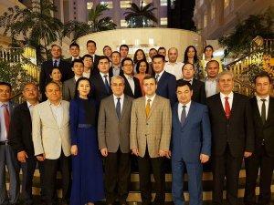 Ahmet Yesevi Üniversitesi Mezunları Astana'da İftarda Bir Araya Geldi