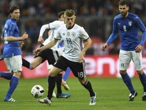 Euro'16' Avrupa Şampiyonası'nda Erken Final
