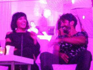 Ünlü Şarkıcı Gülşen Bodrum'da Eşini Yalnız Bırakmadı