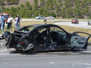 Çorum'da Otomobil Devrildi: 1 Ölü, 4 Yaralı