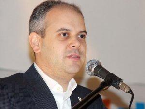 Gençlik ve Spor Bakanı Kılıç Neslihan Yiğit'i  Tebrik Etti