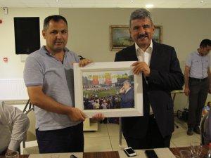 Samsun'da 12. Kunduz Yağlı Güreşleri'nde Ağa Seçilen Acar'dan Teşekkür Yemeği