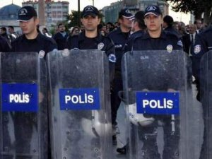 Antalya'da Polis Telsizinden Flaş Anons