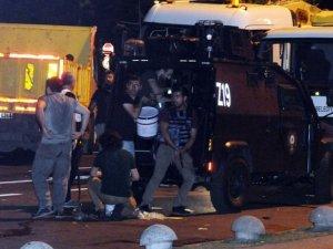 İBB Önünde Polis ve Asker Çatıştı