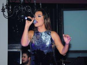 Pop Müziğinin Kraliçesi İzmir'e Geliyor