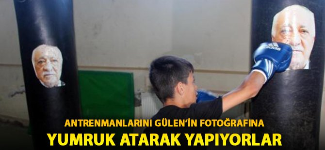 Samsun'da Özel Bir Spor Salonunda Kursiyerler Gülen'in Fotoğrafına Yumruk Atarak Antrenman Yapıyor