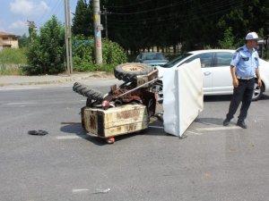 Samsun'da Otomobil ile Traktör Çarpıştı
