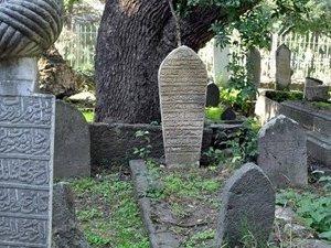 """Tokat'ta Tarihi Mezar Taşlarında """"Karekod"""" Dönemi"""