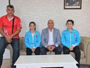 Başarılı Haltercilerden Samsun Gençlik Hizmetleri ve Spor İl Müdürü Özyurt'a Ziyaret