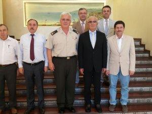 Samsun Büyükşehir Belediye Başkanı Yılmaz'a Tuğgeneral Yaşin'den Veda Ziyareti