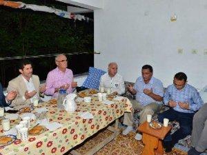 Samsun Valisi Şahin'den Demokrasi Şehidinin Ailesine Ziyaret