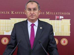 "CHP'li Sertel: ""Üniversitelere Kilit Vurulmasın, Devlete Devredilsin"""