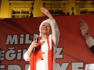 Bedia Akartürk 'Demokrasi' Nöbetinde