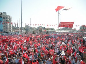 """Uluslararası Gençlik Kampı """"Darbeye Karşı Demokrasi"""" İçin Antalya'da Toplanıyor"""