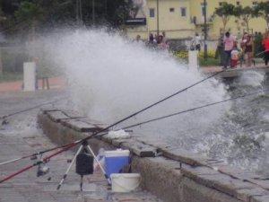 İzmir'de Fırtına Uyarısı