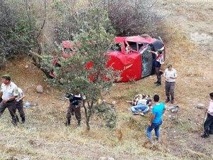 Amasya'da Yolcu Minibüsü Devrildi: 1 Ölü, 4 Yaralı