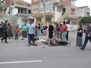 Samsun'da Motosiklet Otomobile Çarptı