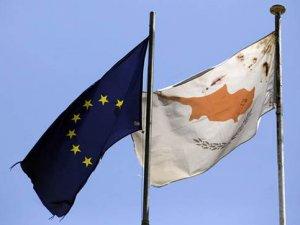 Rum Bakan, Mersin'de 400 Mültecinin Güney Kıbrıs'a Gelmek İçin Beklediğini Teyit Etti