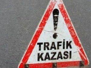 Manisa'da 3 Araç Birbirine Girdi: 13 Yaralı