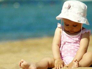 Güneşli Havalarda Çocuklara Dikkat
