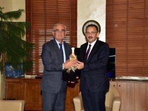 Çevre ve Şehircilik Bakanı Özhaseki Başkan Yılmaz'ı Ziyaret Etti