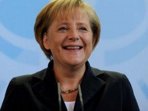 Merkel Bir Hafta İçerisinde 15 Ülkenin Lideriyle Görüşecek