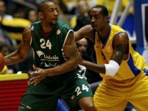 Gaziantep Basketbol'a 36'lık Pivot