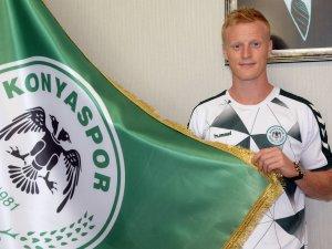 Atiker Konyaspor'un Yeni Transferi İmzayı Attı