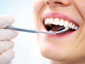 Dişlerinizi Fırçalarken Kanamalara Dikkat