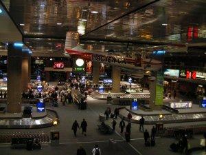 Los Angeles Havalimanı'nda Üç Terminal Kapatıldı