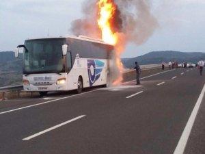 Karabük'te Yolcu Otobüsü Alev Alev Yandı