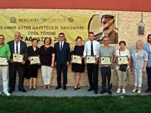 Gazeteciler Bergama'da Ödüllendirildi