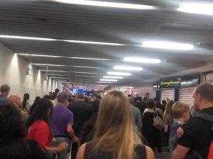 Frankfurt Havalimanı'nda Büyük Panik