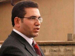 İzmir'de Savcı Polisten Kaçmak İsterken Ayağını Kırdı
