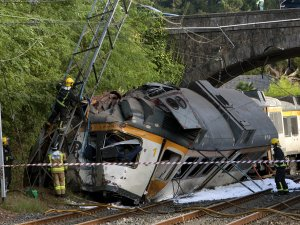 İspanya'da Tren Kazası: 4 Ölü