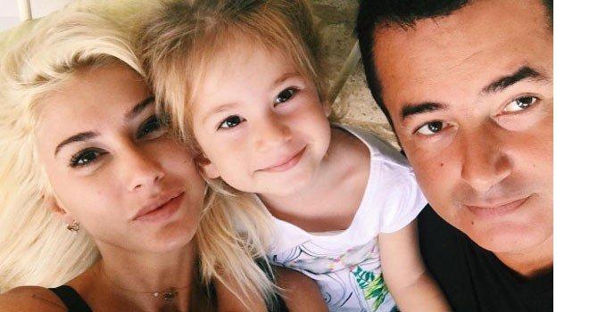Acun Ilıcalı'dan Bayramda Aile Pozu