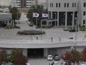 Ankara'da Ekonomi Bakanlığı'nın Direği Devrildi