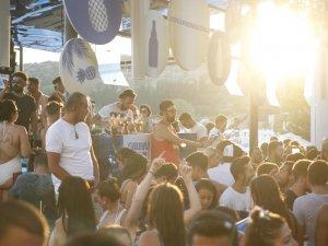 DJ Mayakan İzmirliler İçin Çalıyor