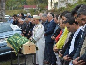 Sinop'ta Yangında Ölen Yaşlı Adam Toprağa Verildi
