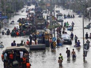 Tayland'ın Eski Başkenti Sele Teslim