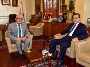 Samsun Vali Yardımcısı Faruk Necmi Kurt ve OMÜ İletişim Fakültesi Dekanı Prof. Dr. Nurdan Taşkıran Emekli Oldu