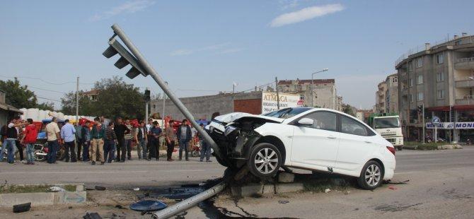 Samsun'un Bafra İlçesi'nde Motosiklet İle Otomobil Çarpıştı