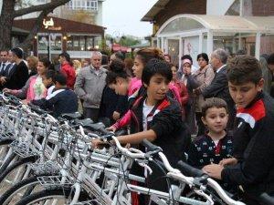 Samsun'da Kimsesiz Ve Şehit Çocuklarına 240 Bisiklet
