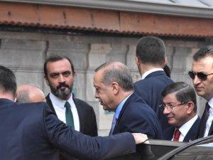 Erdoğan Cuma Namazını Davutoğlu İle Birlikte Kıldı