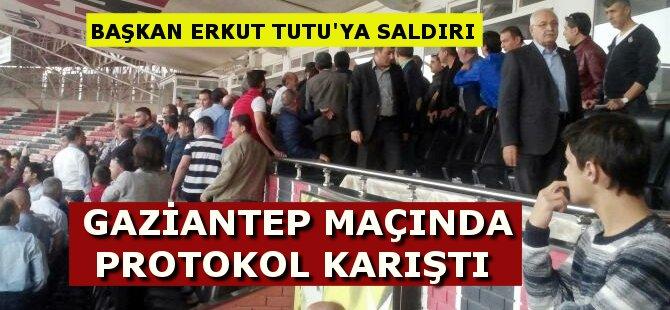 Gaziantep'te Erkut Tutu'ya Protokolde Saldırı
