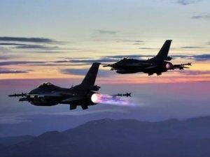 'Fırat Kalkanı' Harekatında Savaş Uçakları PYD'yi Vurdu