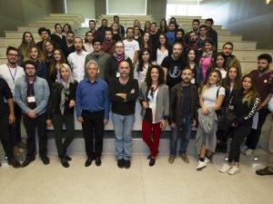 """Ezel Akay'dan Gençlere Çağrı: """"Kısa Film Çekin, Dünyayı Gezin"""""""